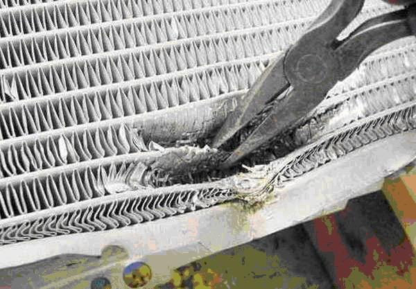 пережатие трубок радиатора