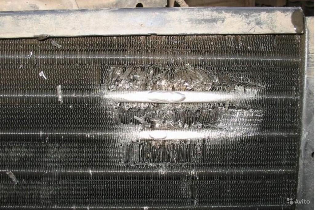 повреждение радиатора водой