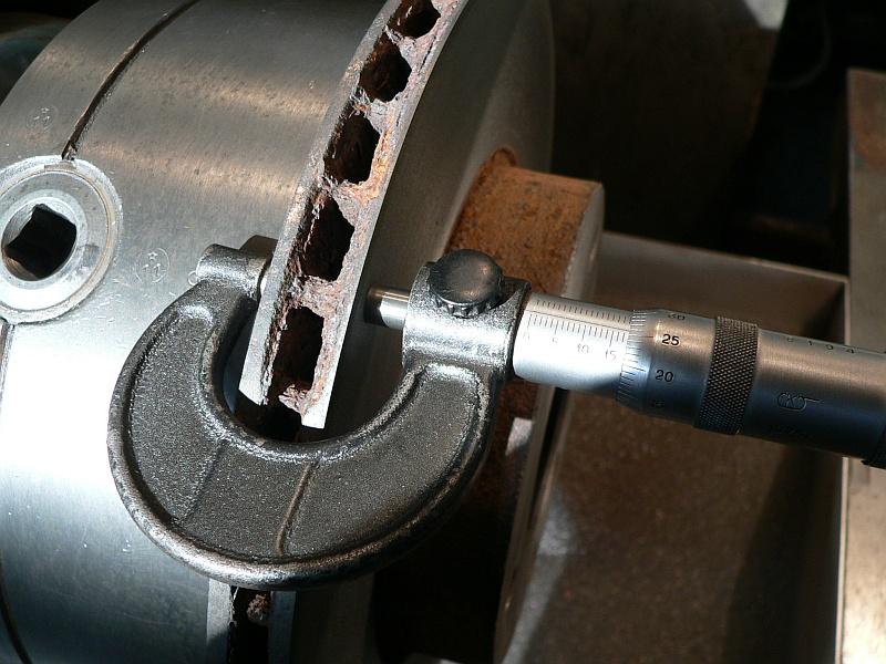 измерение толщины диска микрометром