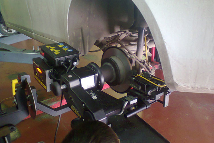 проточка диска на специальном станке